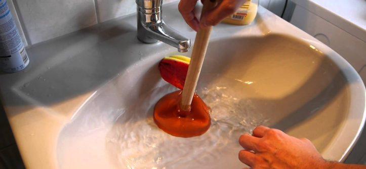 L'astuce pour déboucher les canalisations en un rien de temps Www_pe10