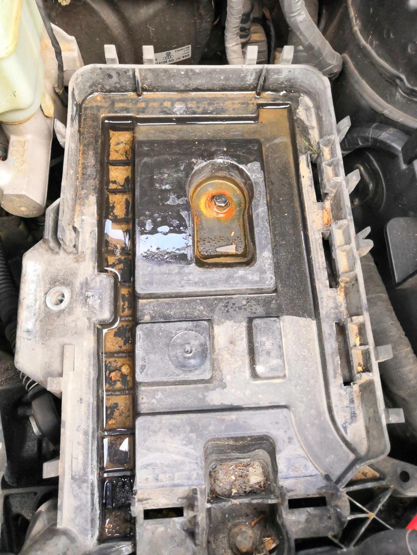 [ Seat Leon 2.0 TDI 140 an 2006 ] Problème démarrage - Résolu Batter10
