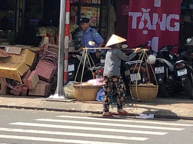 Voyages culinaires et philosophiques (suite) à Da Nang, vietnam - Page 13 129