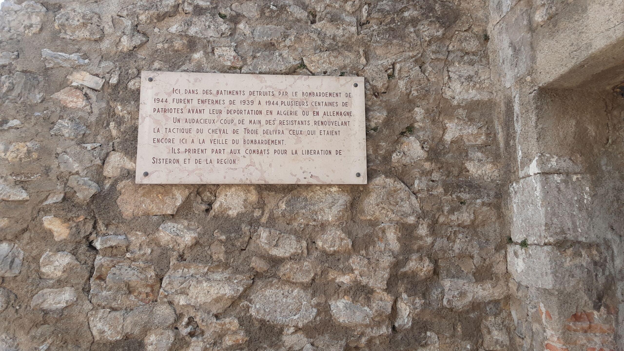 La citadelle de Sisteron:  visite virtuelle d'hier et d'aujourd'hui.  - Page 2 20210710