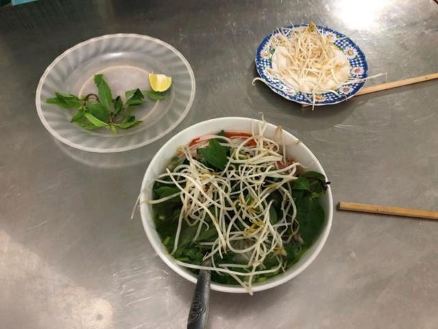 Voyages culinaires et philosophiques (suite) à Da Nang, vietnam - Page 13 A-conv11