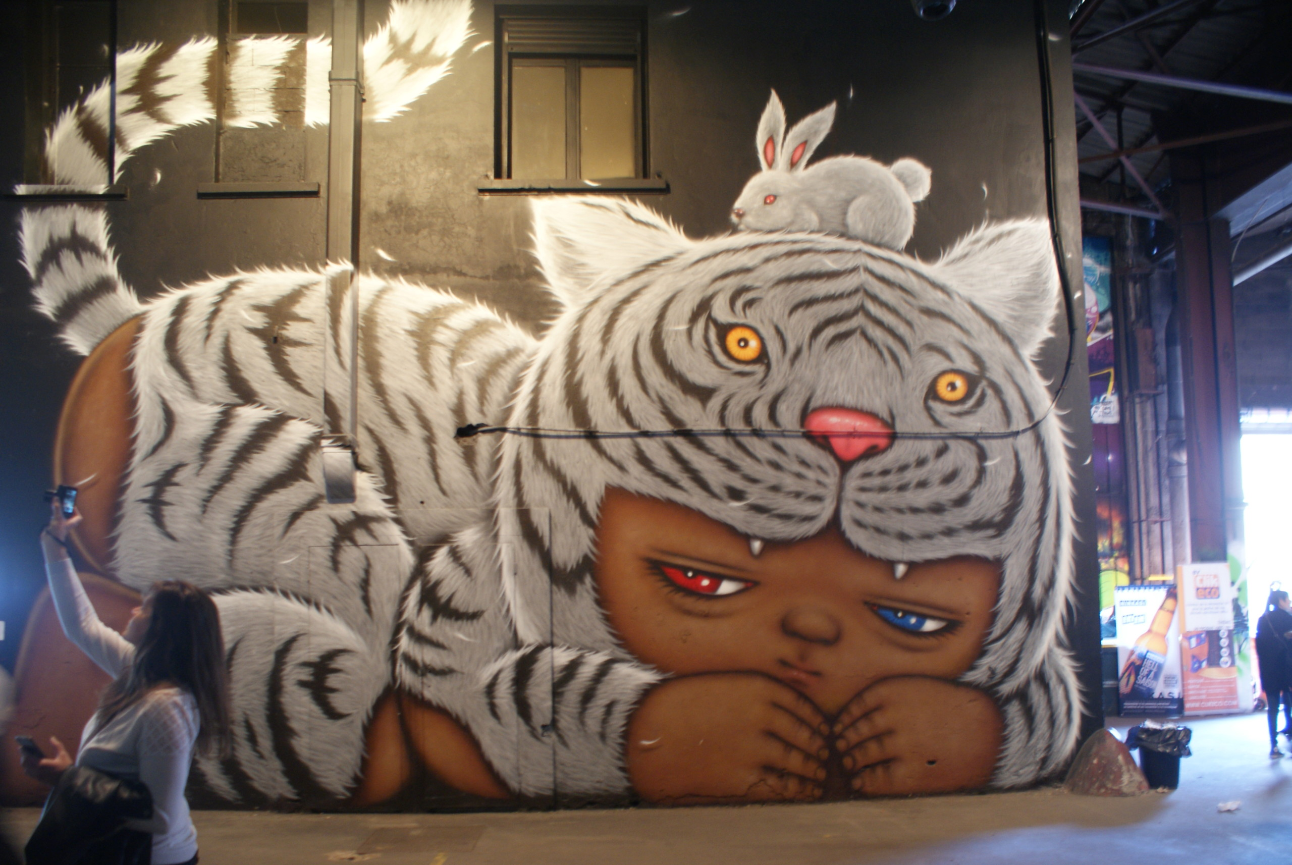 [street art-rue et manifs] Peinture fraîche, à Lyon 2019 A1028