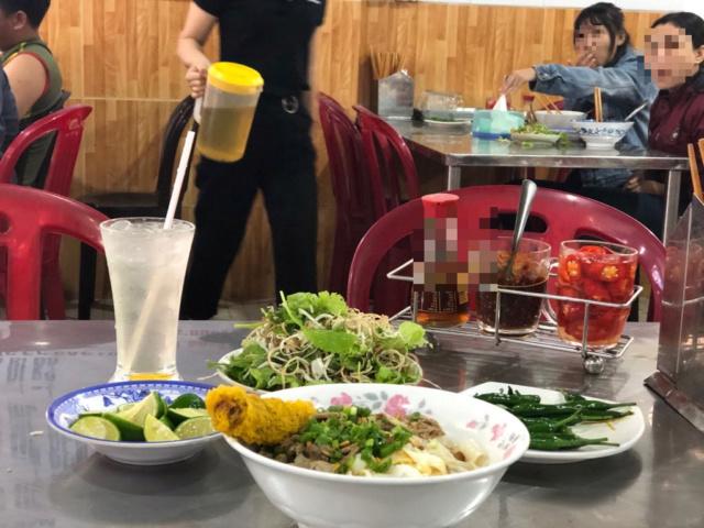 Voyages culinaires et philosophiques (suite) à Da Nang, vietnam - Page 13 A14
