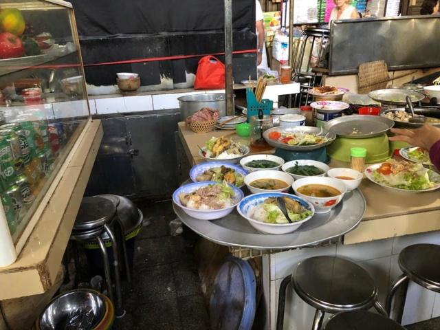 Voyages culinaires et philosophiques (suite) à Da Nang, vietnam - Page 12 A688