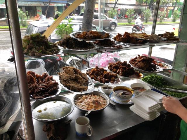 Voyages culinaires et philosophiques (suite) à Da Nang, vietnam - Page 13 A743