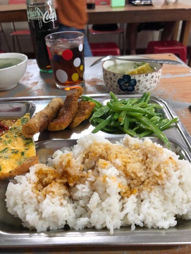 Voyages culinaires et philosophiques (suite) à Da Nang, vietnam - Page 13 A744