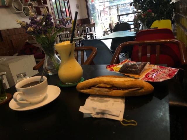Voyages culinaires et philosophiques (suite) à Da Nang, vietnam - Page 13 A771
