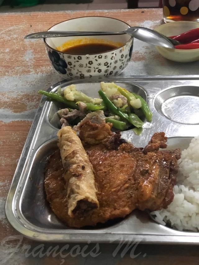 Voyages culinaires et philosophiques (suite) à Da Nang, vietnam - Page 14 A821