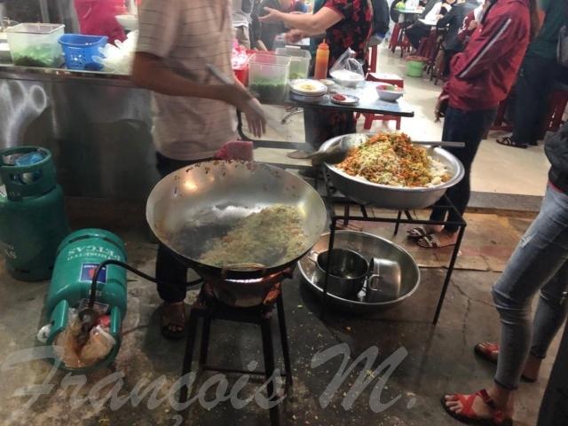 Voyages culinaires et philosophiques (suite) à Da Nang, vietnam - Page 13 A827