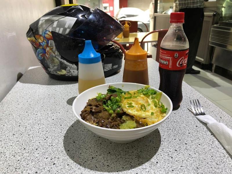 Voyages culinaires et philosophiques (suite) à Da Nang, vietnam - Page 7 A85