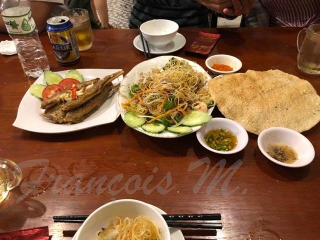 Voyages culinaires et philosophiques (suite) à Da Nang, vietnam - Page 11 A881