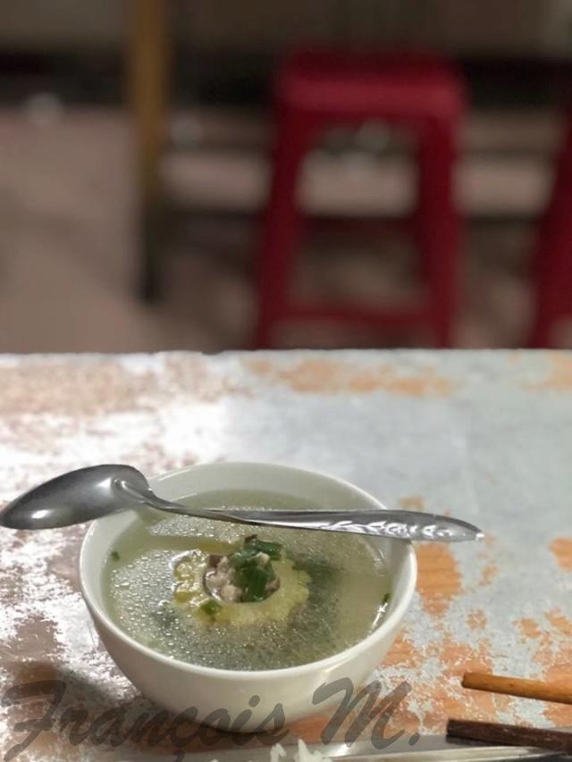Voyages culinaires et philosophiques (suite) à Da Nang, vietnam - Page 13 A888