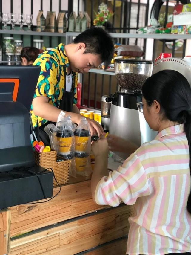 Voyages culinaires et philosophiques (suite) à Da Nang, vietnam - Page 12 A_cens13
