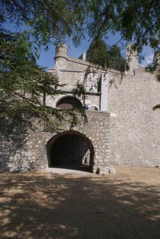La citadelle de Sisteron:  visite virtuelle d'hier et d'aujourd'hui.  - Page 2 Dsc06359