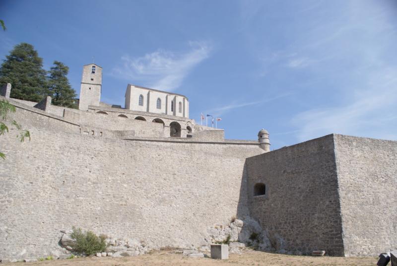 La citadelle de Sisteron:  visite virtuelle d'hier et d'aujourd'hui.  - Page 2 Dsc06361