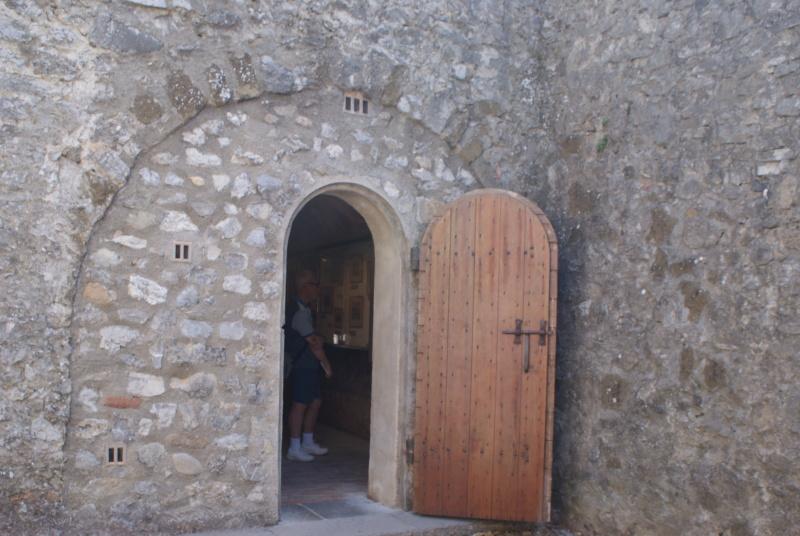 La citadelle de Sisteron:  visite virtuelle d'hier et d'aujourd'hui.  - Page 2 Dsc06366