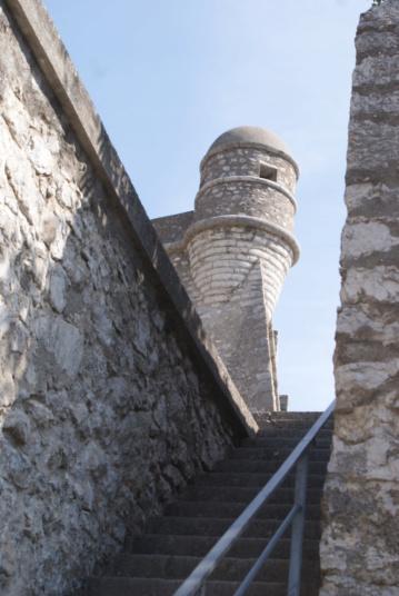 La citadelle de Sisteron:  visite virtuelle d'hier et d'aujourd'hui.  - Page 2 Dsc06370