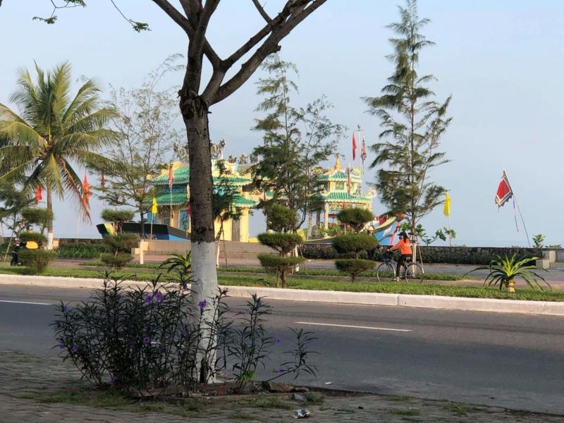 Voyages culinaires et philosophiques (suite) à Da Nang, vietnam - Page 18 Recei209