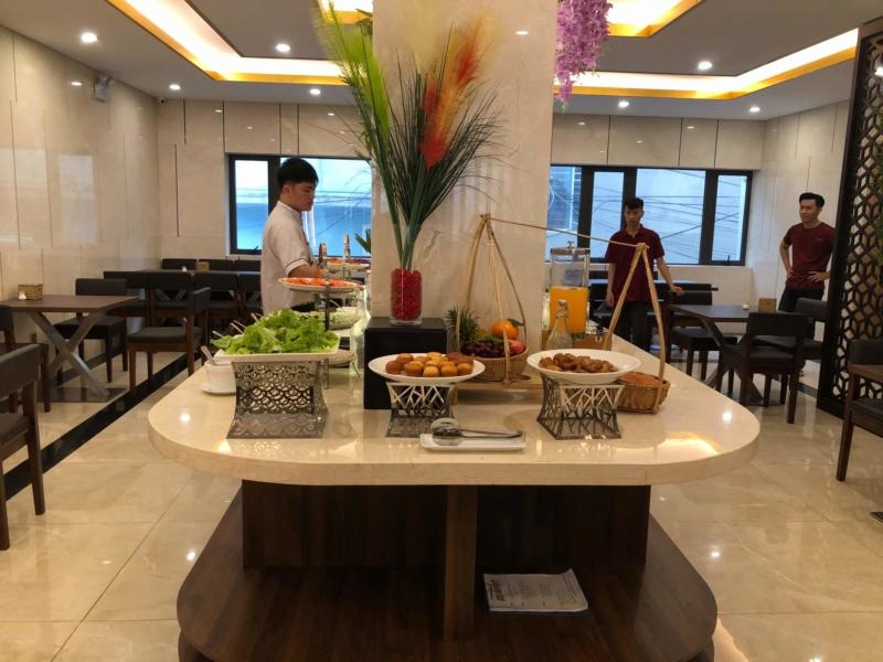 Voyages culinaires et philosophiques (suite) à Da Nang, vietnam - Page 15 Receiv47