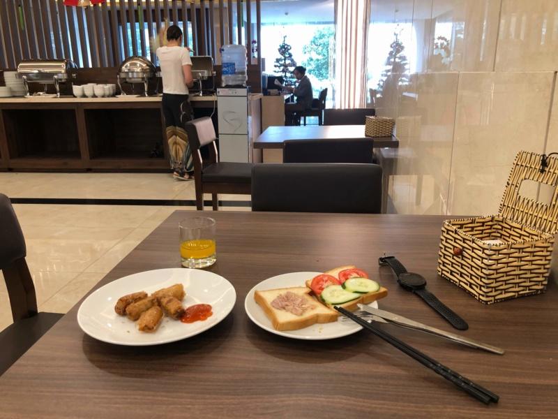 Voyages culinaires et philosophiques (suite) à Da Nang, vietnam - Page 15 Receiv49