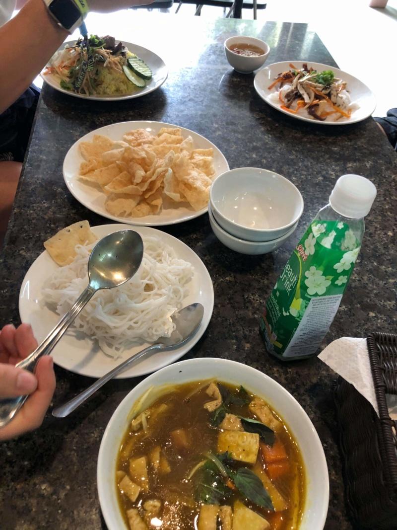 Voyages culinaires et philosophiques (suite) à Da Nang, vietnam - Page 15 Receiv52
