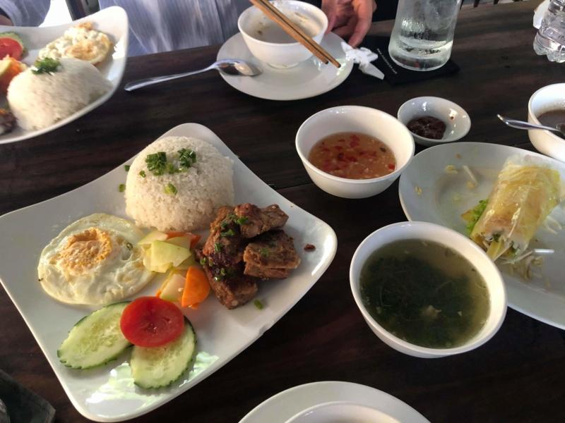 Voyages culinaires et philosophiques (suite) à Da Nang, vietnam - Page 16 Receiv67