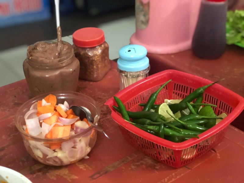 Voyages culinaires et philosophiques (suite) à Da Nang, vietnam - Page 16 Receiv71