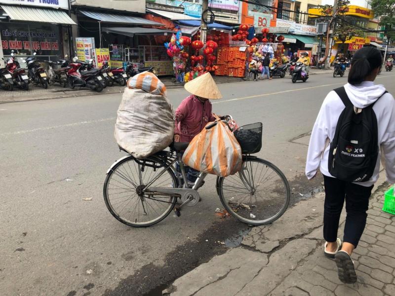 Voyages culinaires et philosophiques (suite) à Da Nang, vietnam - Page 17 Receiv77