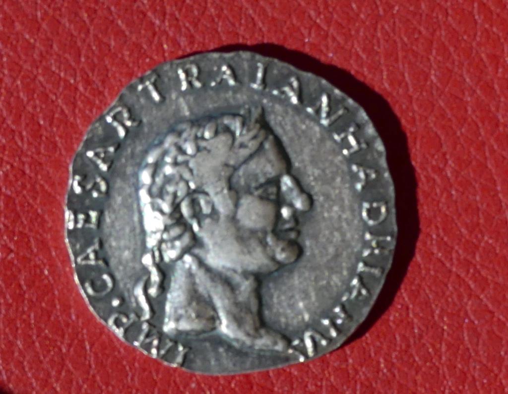 Moneda de fantasia emperador Adriano 0112
