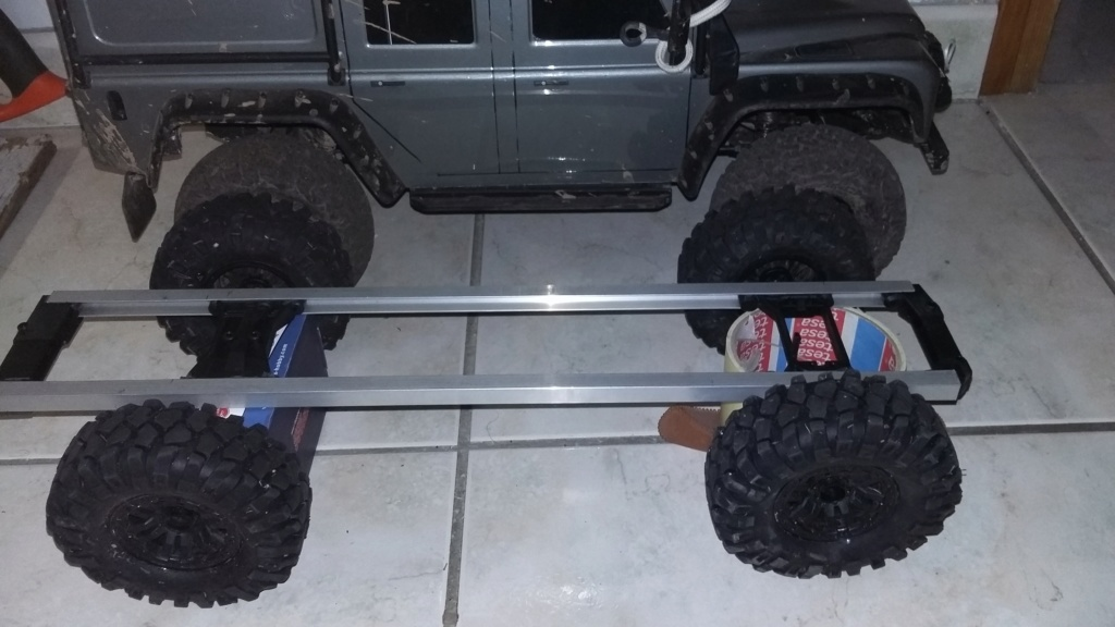 Un autre Land Rover 1/8 foward control 101 20181127