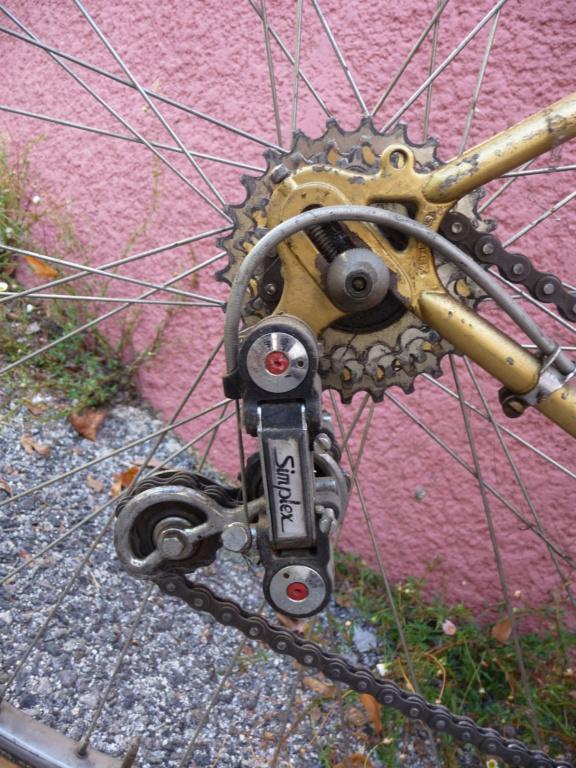 Velo de course Cycles Bolley 70's P1100212