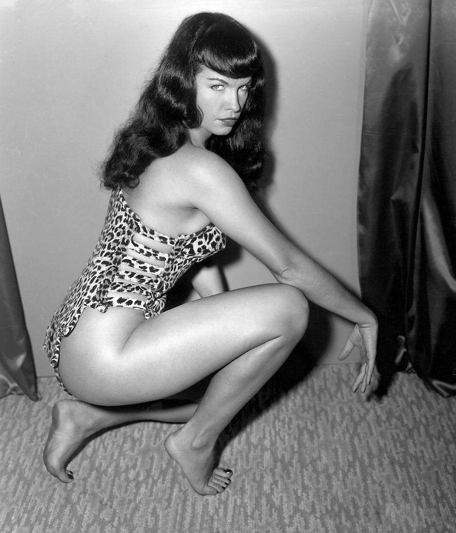 tbleague - NEW PRODUCT: Executive Replicas & TBLeague: 1/6 Queen of Pin-Ups, Betty Page/Bettie Page V2 action figure 09484610