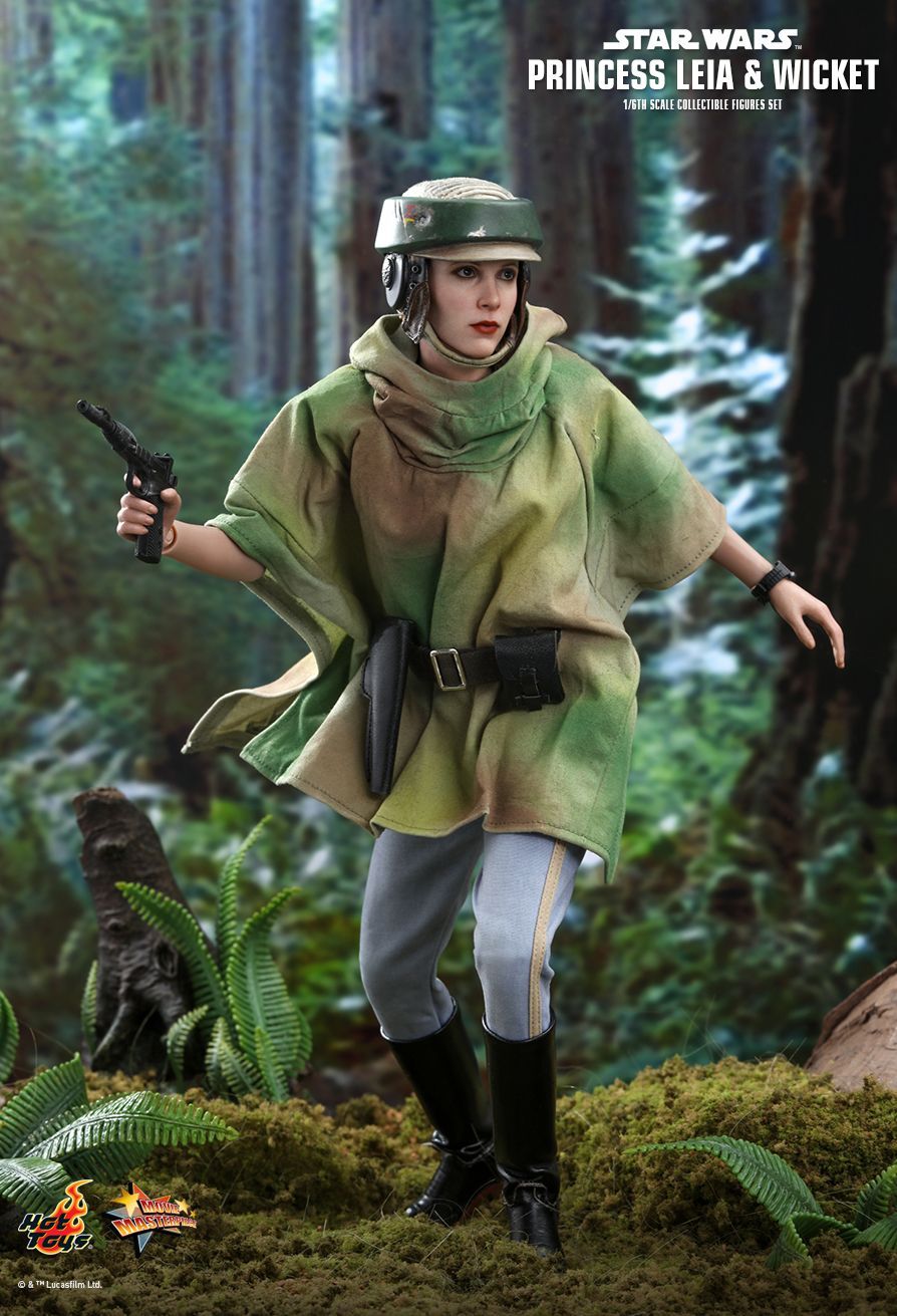 NEW PRODUCT: HOT TOYS: STAR WARS: RETURN OF THE JEDI PRINCESS LEIA AND WICKET 1/6TH SCALE COLLECTIBLE FIGURES SET 11002