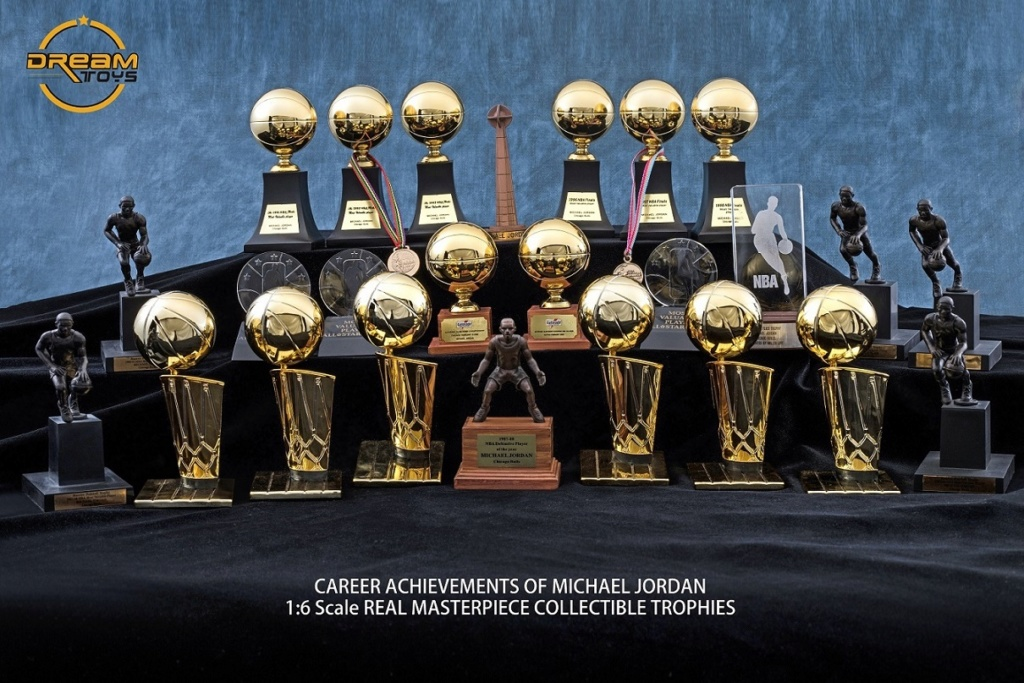 NEW PRODUCT: DREAMTOYS New: 1/6 MJ23 KB24 Jordan / Kobe - Honor Trophy Set 140