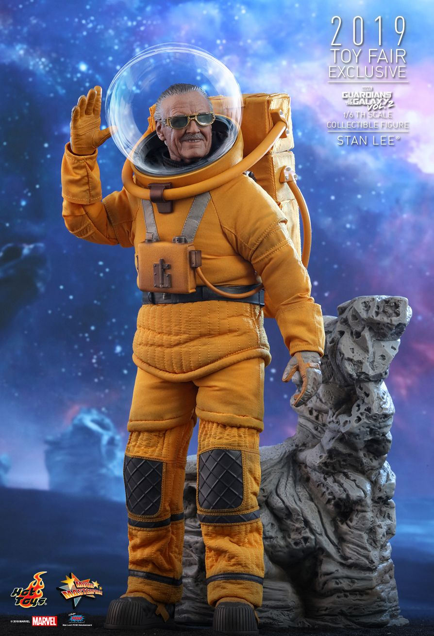 NEW PRODUCT: HOT TOYS: GUARDIANS OF THE GALAXY VOL. 2 STAN LEE® 1/6TH SCALE COLLECTIBLE FIGURE 1909