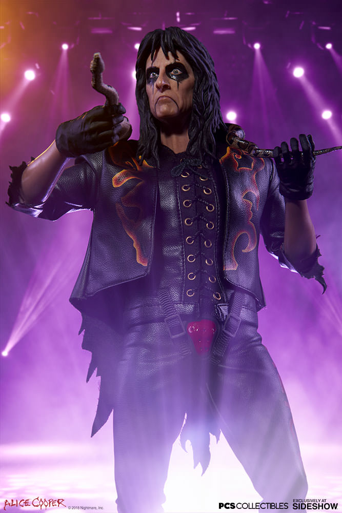 NEW PRODUCT: Alice Cooper Sixth Scale Figure by Pop Culture Shock 192