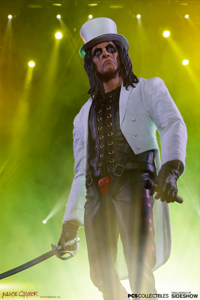 NEW PRODUCT: Alice Cooper Sixth Scale Figure by Pop Culture Shock 1931