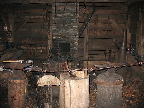 Scratchbuild - Blacksmith's workshop - Page 3 19th_c11