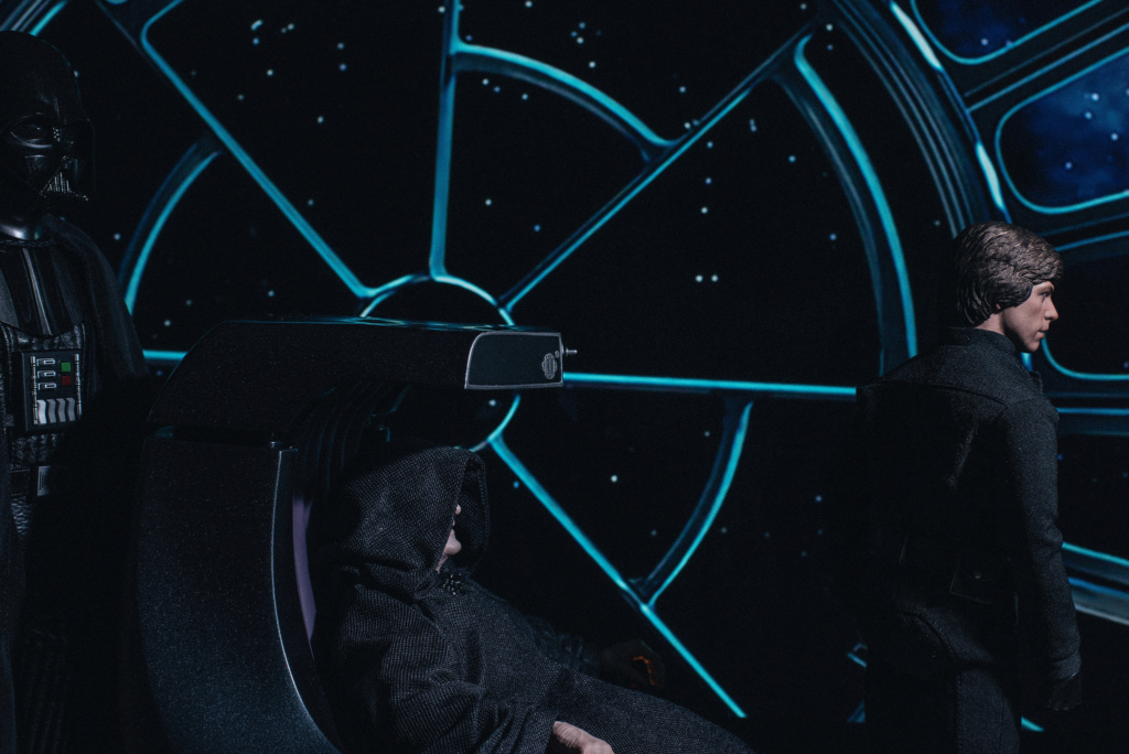 rotj - Hot Toys Star Wars Emperor Palpatine (Deluxe) Review - Page 2 3162