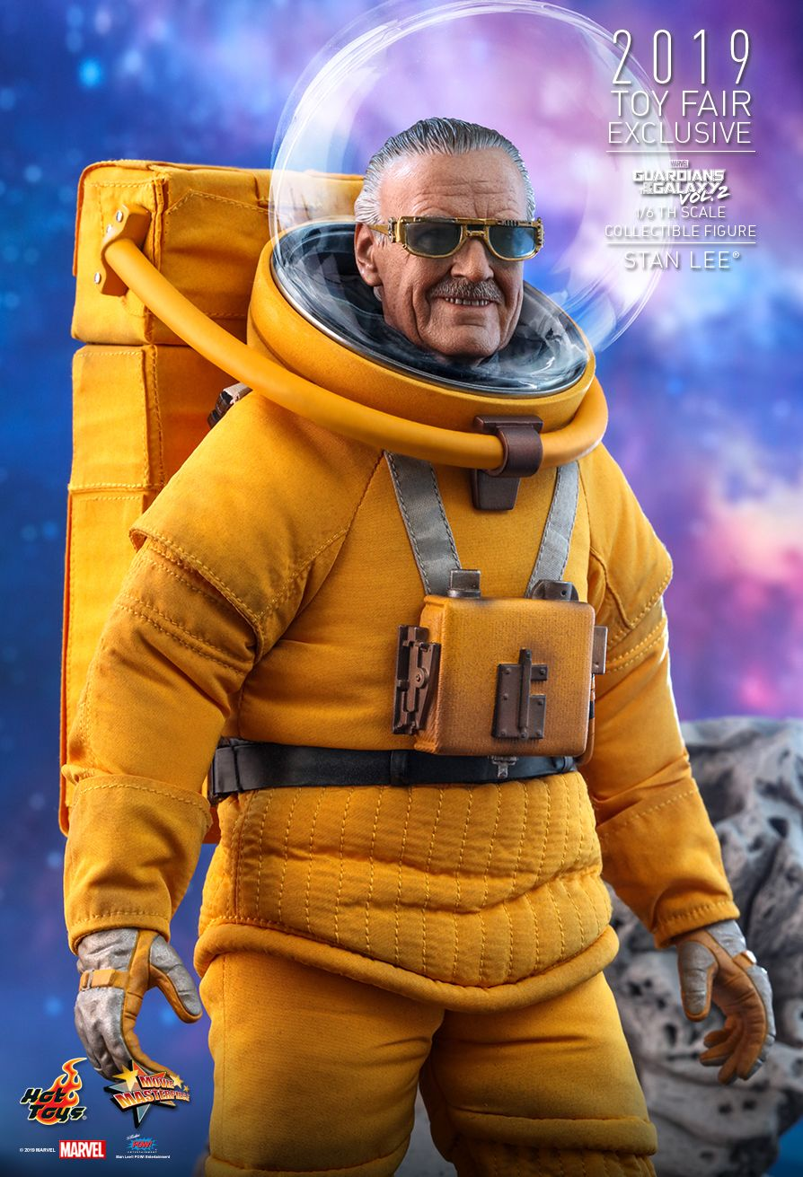 NEW PRODUCT: HOT TOYS: GUARDIANS OF THE GALAXY VOL. 2 STAN LEE® 1/6TH SCALE COLLECTIBLE FIGURE 3269