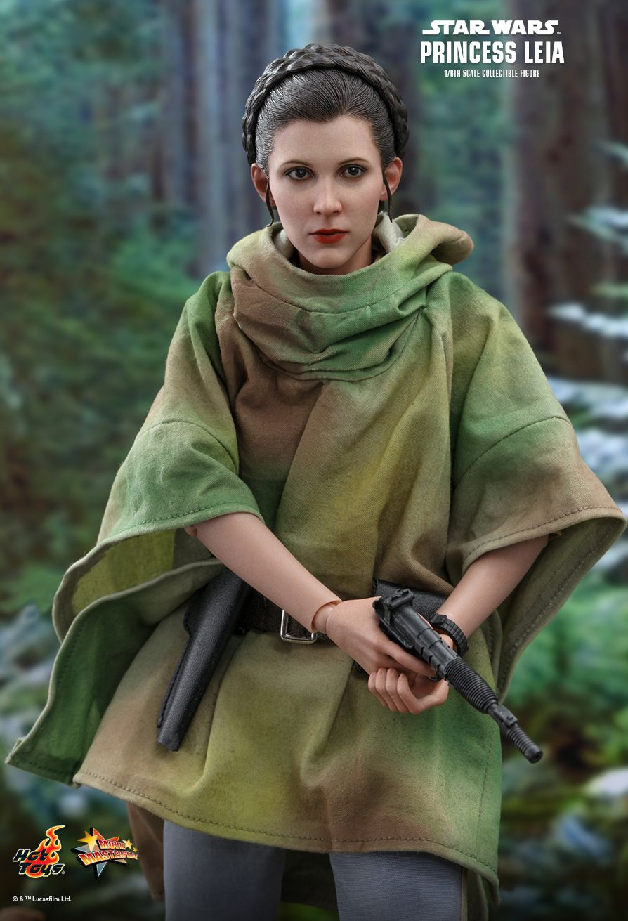 NEW PRODUCT: HOT TOYS: STAR WARS: RETURN OF THE JEDI PRINCESS LEIA 1/6TH SCALE COLLECTIBLE FIGURE 3282