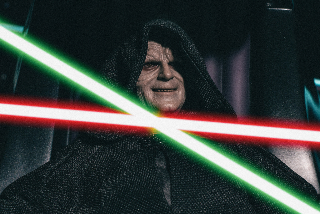 rotj - Hot Toys Star Wars Emperor Palpatine (Deluxe) Review - Page 2 5146