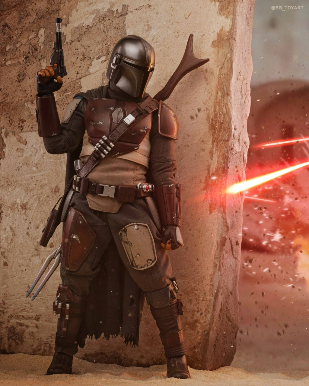 StarWars - NEW PRODUCT: HOT TOYS: THE MANDALORIAN -- THE MANDALORIAN 1/6TH SCALE COLLECTIBLE FIGURE 5367