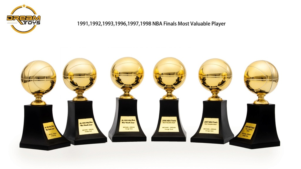 NEW PRODUCT: DREAMTOYS New: 1/6 MJ23 KB24 Jordan / Kobe - Honor Trophy Set 539