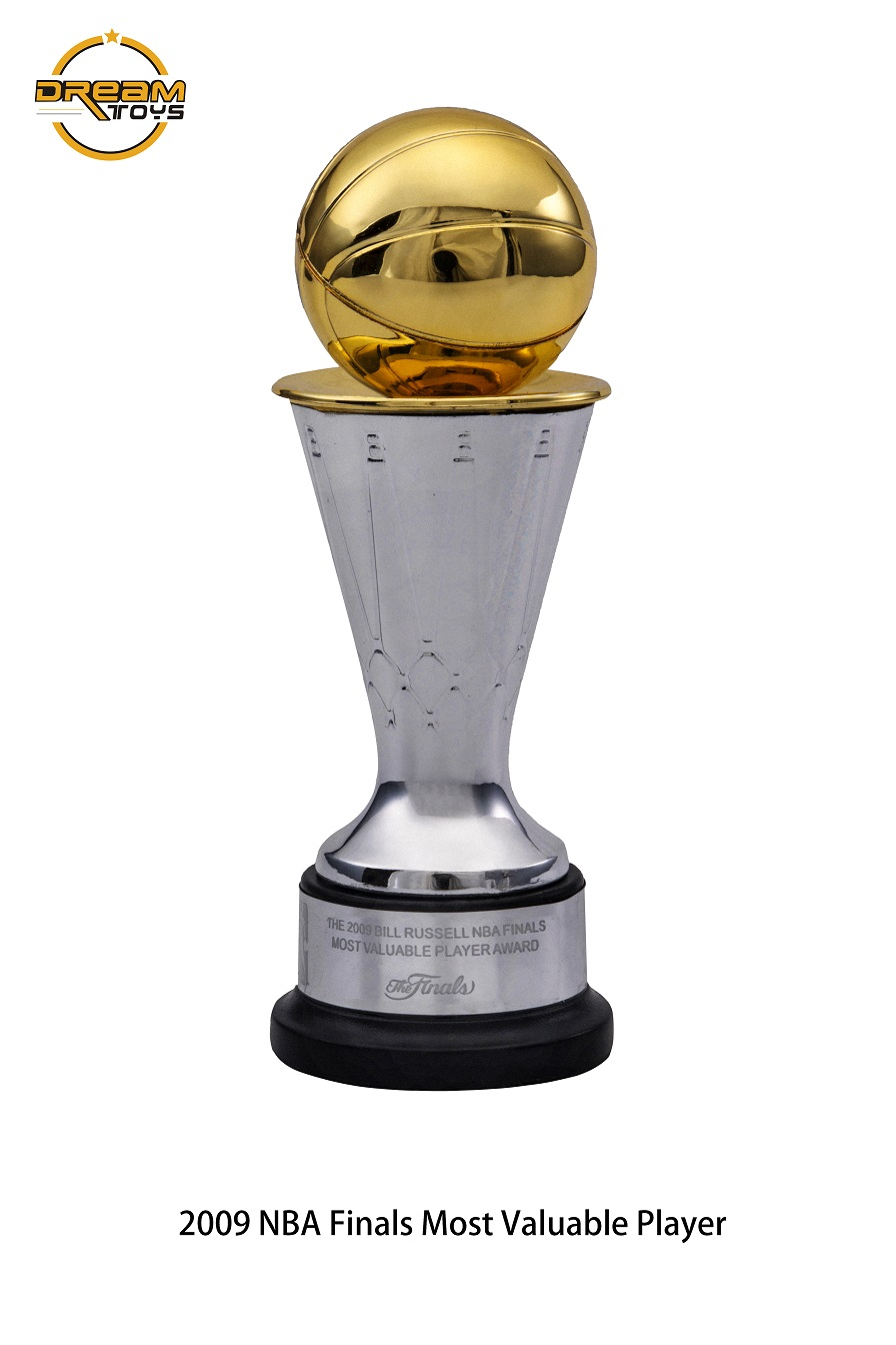 NEW PRODUCT: DREAMTOYS New: 1/6 MJ23 KB24 Jordan / Kobe - Honor Trophy Set 540