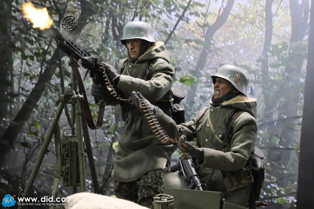 DiD - NEW PRODUCT: DiD 1/6 scale figure Egon - SS-Panzer-Division Das Reich MG42 Gunner B 5c10