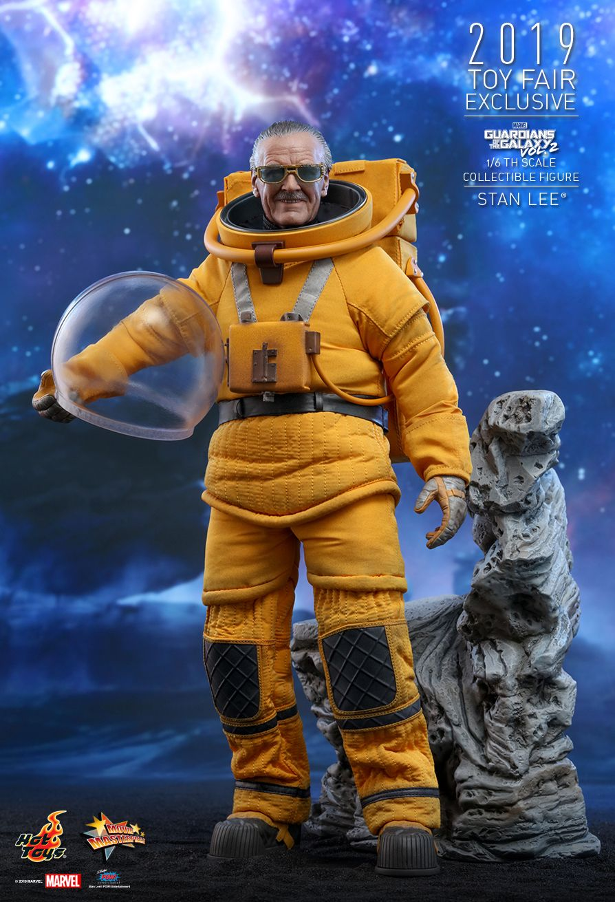 NEW PRODUCT: HOT TOYS: GUARDIANS OF THE GALAXY VOL. 2 STAN LEE® 1/6TH SCALE COLLECTIBLE FIGURE 6227