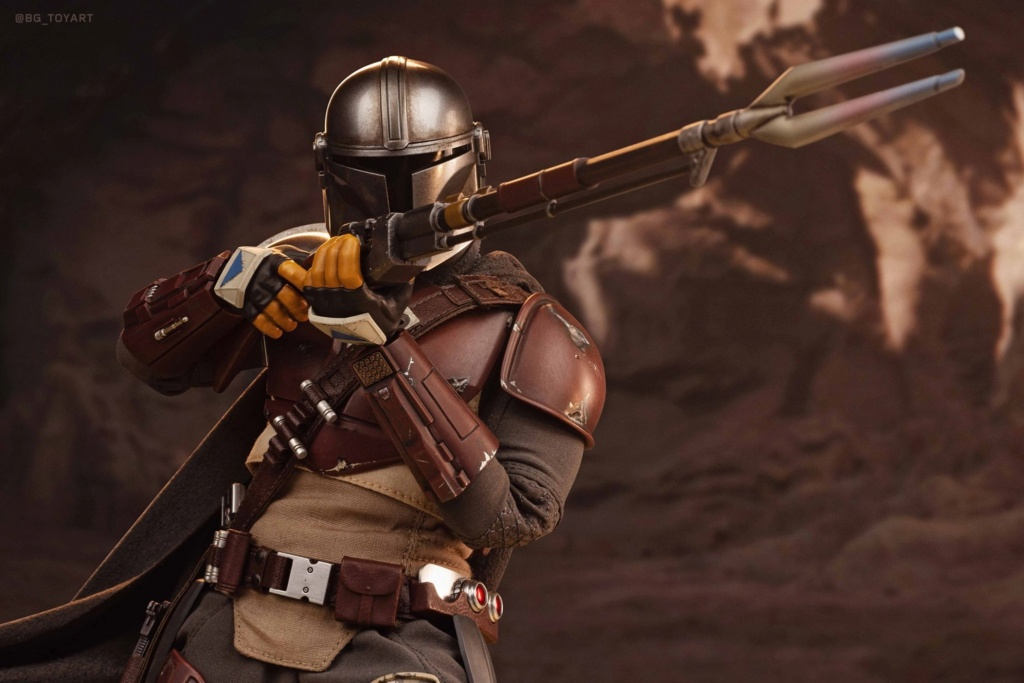 NEW PRODUCT: HOT TOYS: THE MANDALORIAN -- THE MANDALORIAN 1/6TH SCALE COLLECTIBLE FIGURE 7340