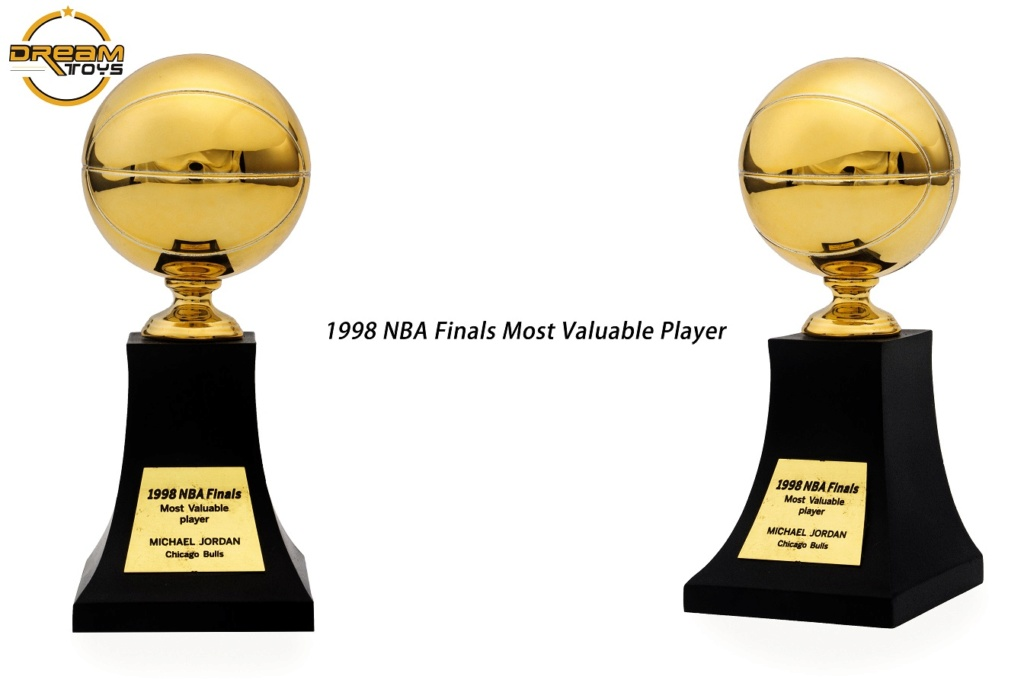 NEW PRODUCT: DREAMTOYS New: 1/6 MJ23 KB24 Jordan / Kobe - Honor Trophy Set 737