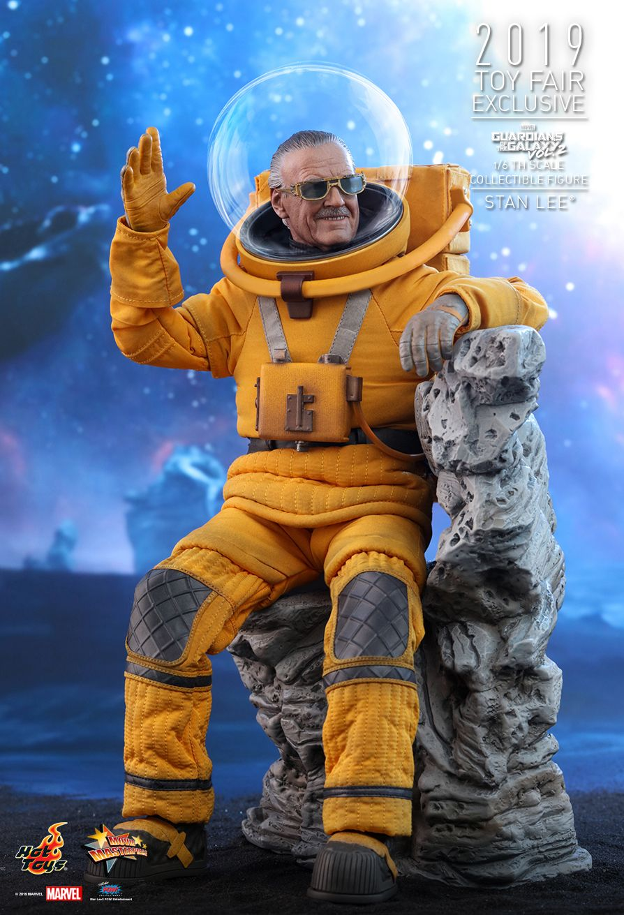 NEW PRODUCT: HOT TOYS: GUARDIANS OF THE GALAXY VOL. 2 STAN LEE® 1/6TH SCALE COLLECTIBLE FIGURE 8206